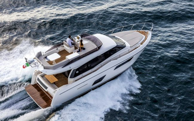 Ferretti Yachts 450 cruising