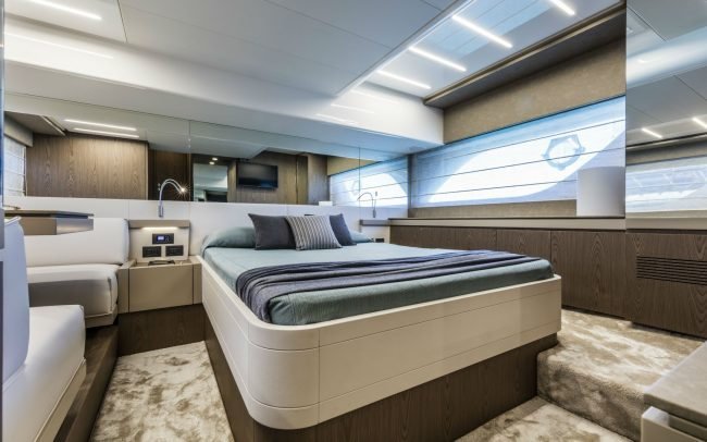 Ferretti Yachts 550 lower deck