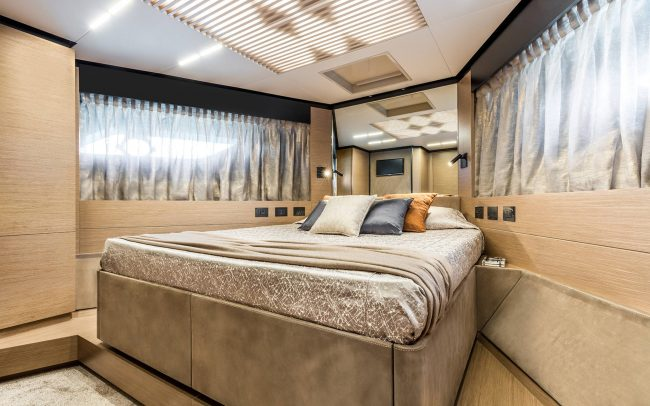 Ferretti Yachts 780 lower deck
