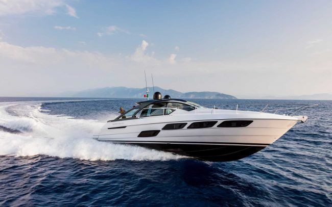 Pershing 5x cruising