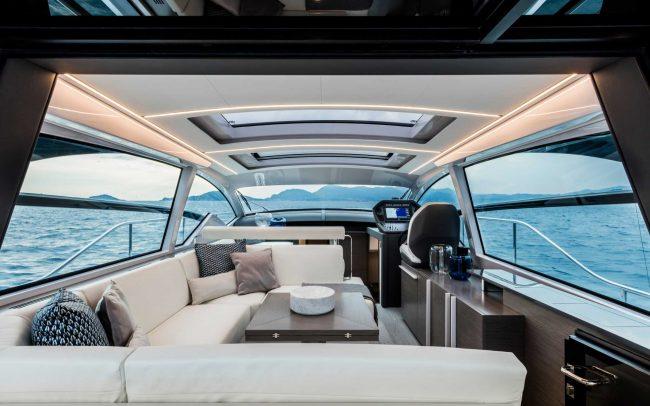 Pershing 5x main deck