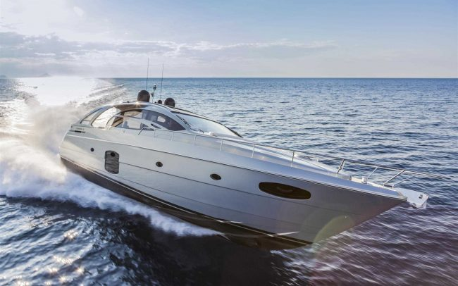 Pershing 70 cruising
