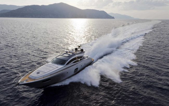 Pershing 74 cruising
