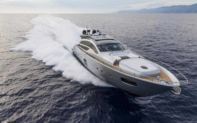 Pershing 82 cruising