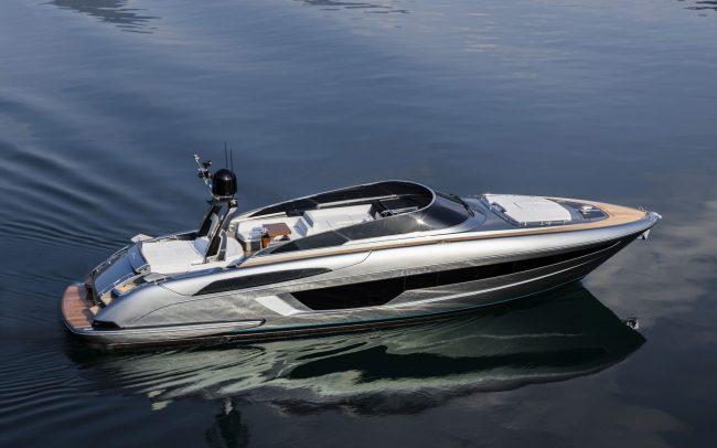 Riva56' Rivale cruising