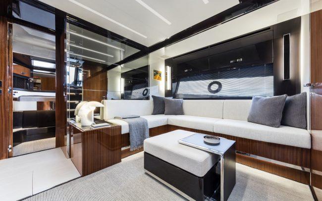Riva56' Rivale lower deck