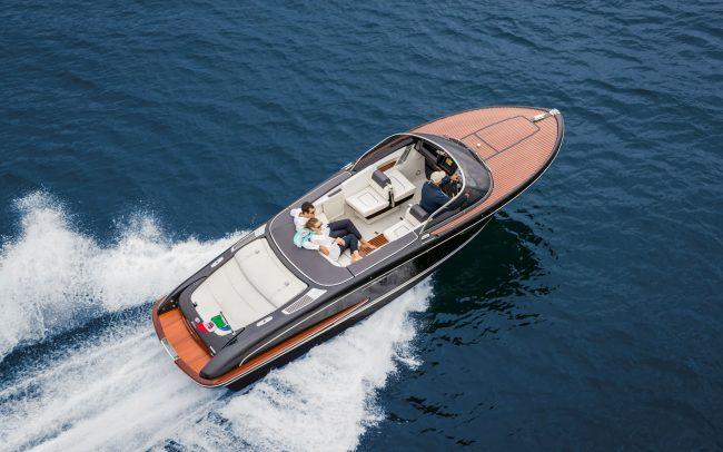 Riva Iseo cruising