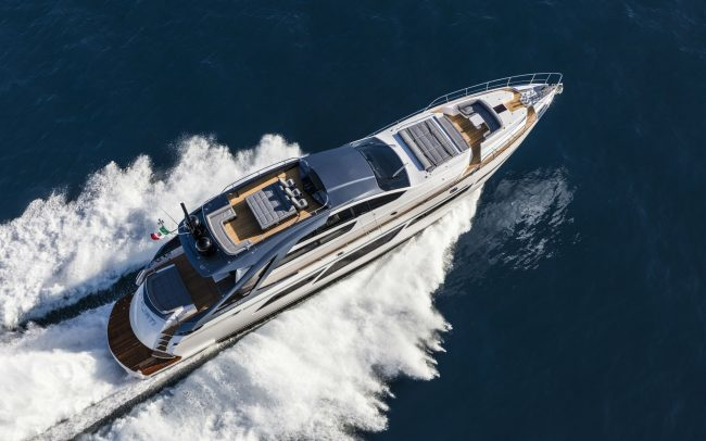 Pershing 9x cruising