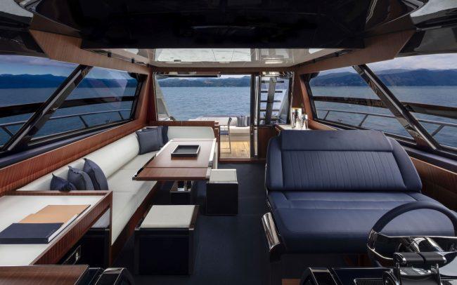 Riva 66' Ribelle main deck
