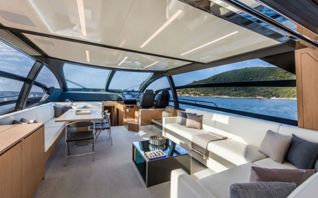 Riva 76' Perseo main deck