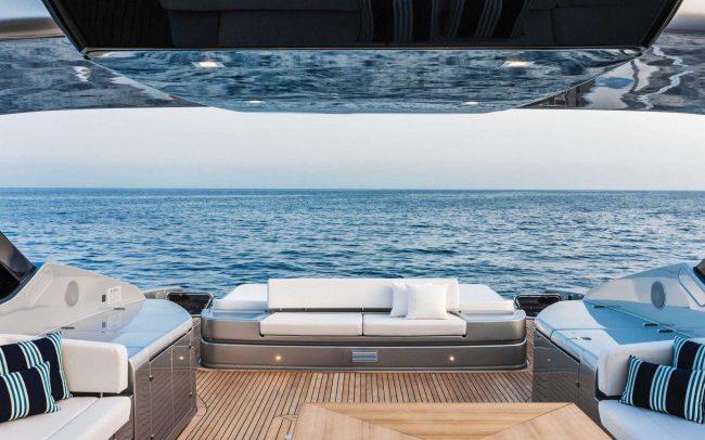 Riva 88' Florida sun deck