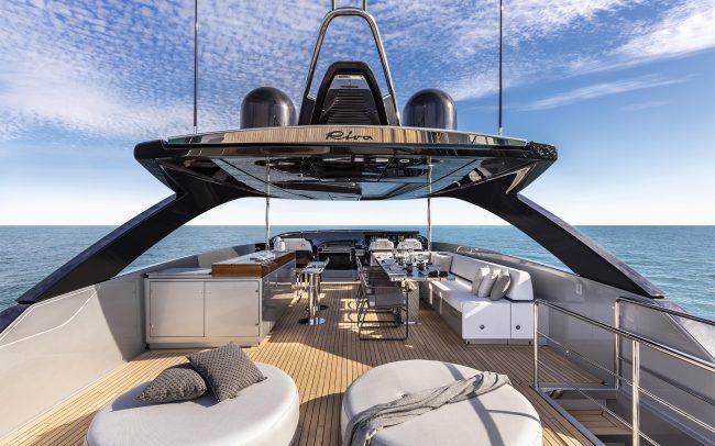 Riva 90' Argo sun deck